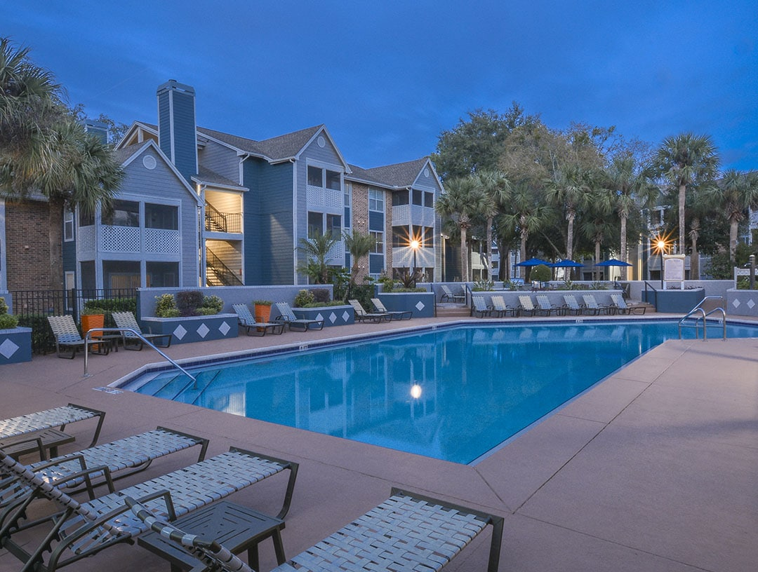 Twelve Oaks At Windermere Apartments In Orlando